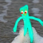 gumby_at_the_beach_by_chewyraezen-d46hnll